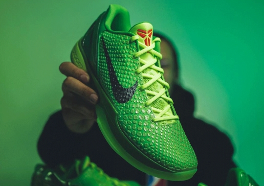 """The Nike Kobe 6 Protro """"Grinch"""" Is Releasing On Christmas Eve"""