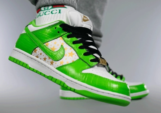 """Detailed Look At The Supreme x Nike SB Dunk Low """"Mean Green"""""""