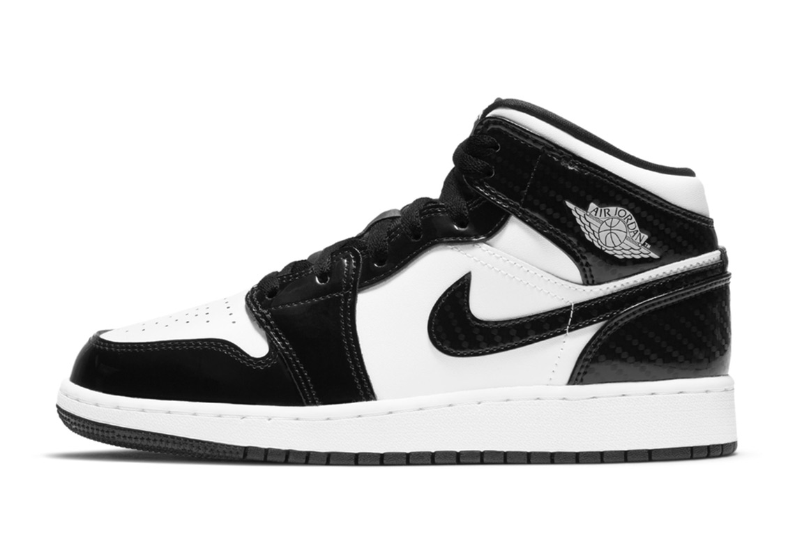 Air Jordan 1 Mid Black White Carbon
