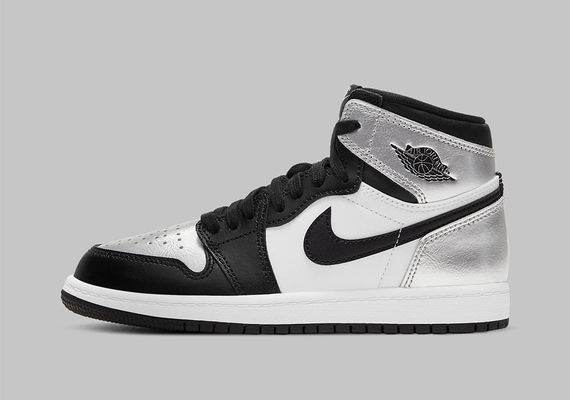 Air Jordan 1 WMNS Silver Toe 2021 CD0461-001 | SneakerNews.com