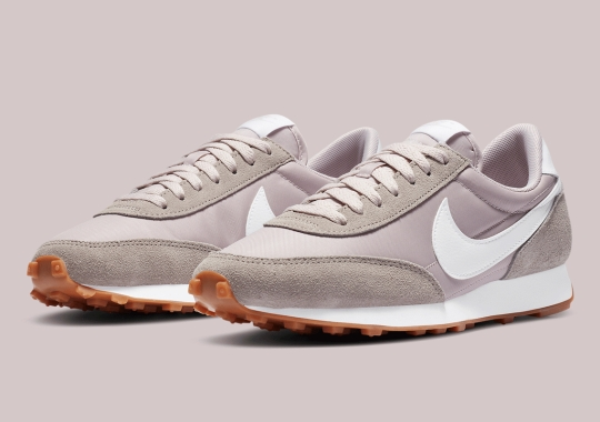 """The Women's Nike Daybreak """"Platinum Violet"""" Is Available Now"""