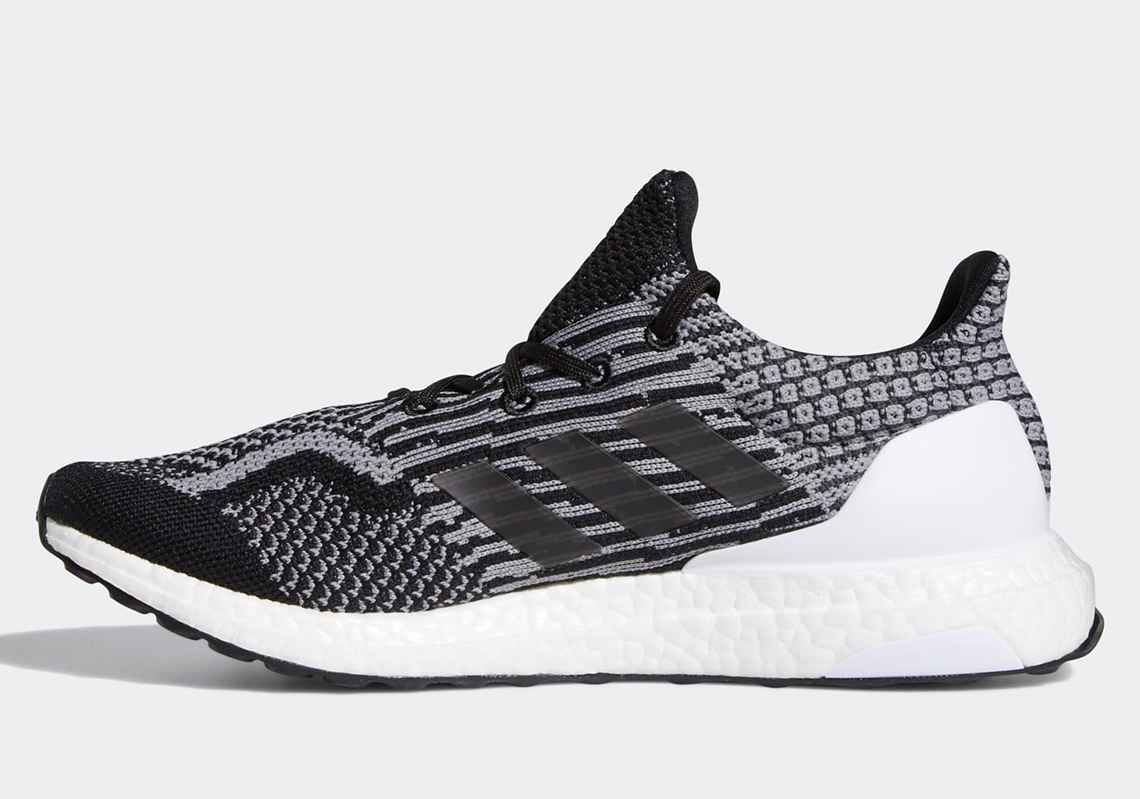 UltraBoost 5.0 Uncaged DNA 'Oreo'