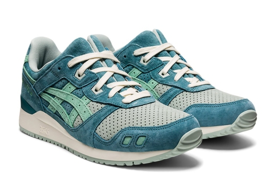 """ASICS Continues Its Hot Run Of GEL-Lyte 3 Colorways With """"Misty Pine"""""""