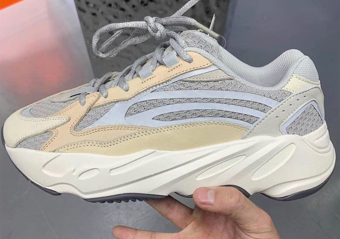 Envolver fuga de la prisión Hueco  adidas Yeezy Boost V2 Cream Release Date | SneakerNews.com