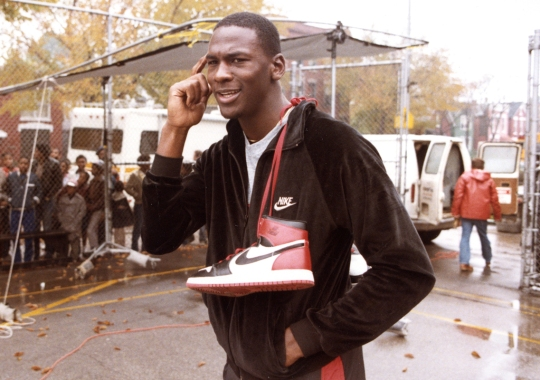Familiar Chicago Bulls Colors Are Returning To The Air Jordan 1 Retro High OG