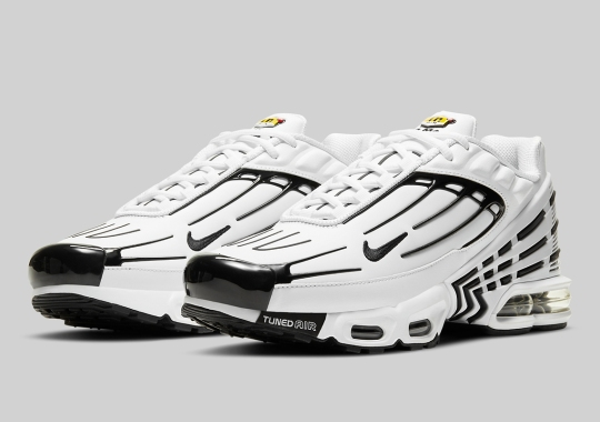 The Nike Air Max Plus 3 Delivers A Simple Black And White Colorway