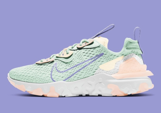 Minty Green And Guava Ice Pair Up For This Women's Nike React Vision
