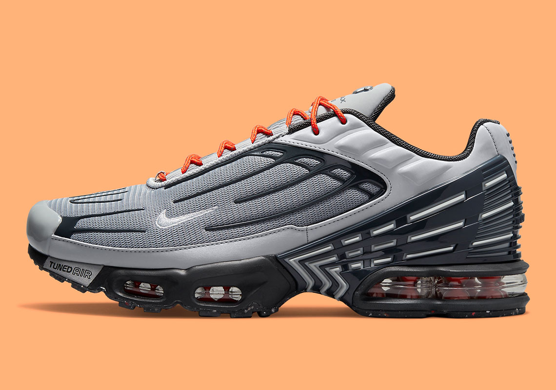 Nike Air Max Plus 3 DM2560-001 | SneakerNews.com