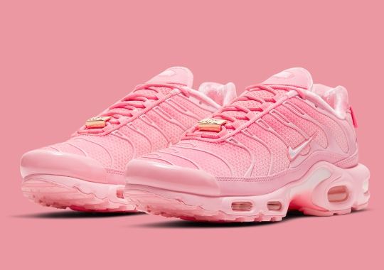 """The Nike Air Max Plus """"City Special"""" Nods To Atlanta In Full Pink"""