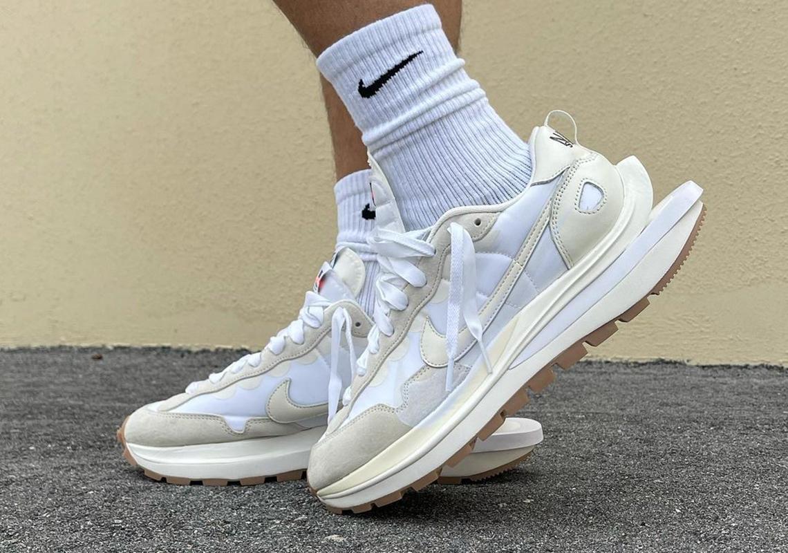 sacai x Nike VaporWaffle « White/Sail »