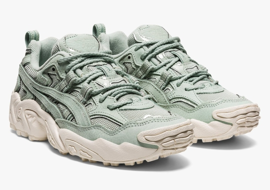 ASICS Gets Ready For Spring With This Women's GEL-Nandi OG