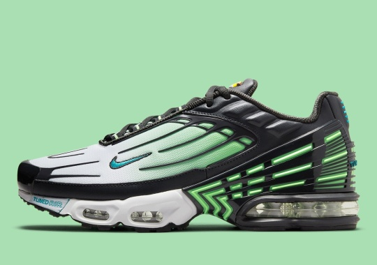 "The Nike Air Max Plus III ""Ghost Green"" Offers Up Some Original-Style Flair"