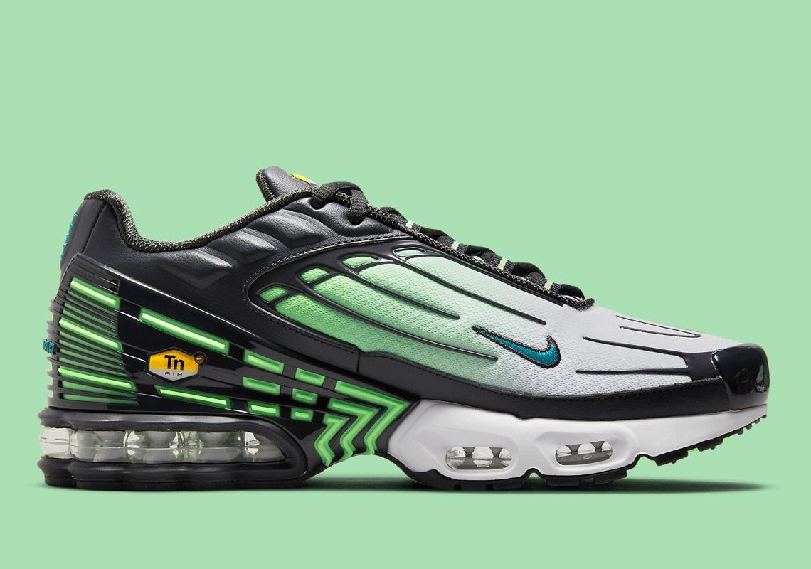 Nike Air Max Plus III Tn3 Ghost Green DM2835-001 | SneakerNews.com
