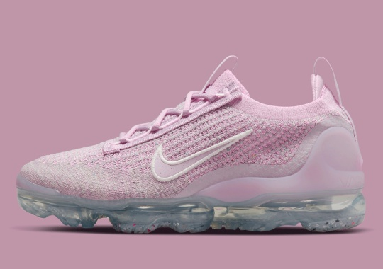 The Nike Vapormax Flyknit 2021 Goes Full Pink