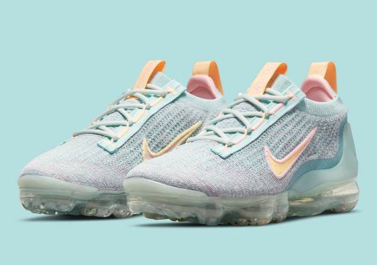 The Women's Nike Vapormax Flyknit 2021 Appears In Bright Aqua And Mango Knits