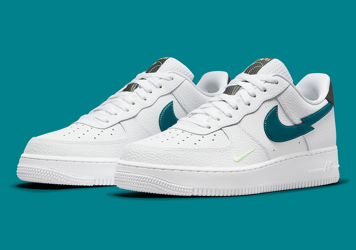Nike Air Force 1 White Aquamarine DJ6894-100 | SneakerNews.com