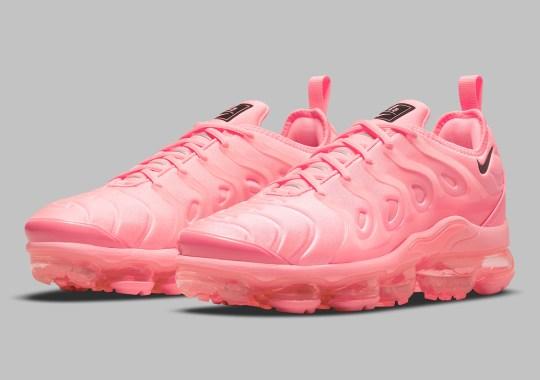 A Tonal Bubblegum Pink Covers The Nike Vapormax Plus