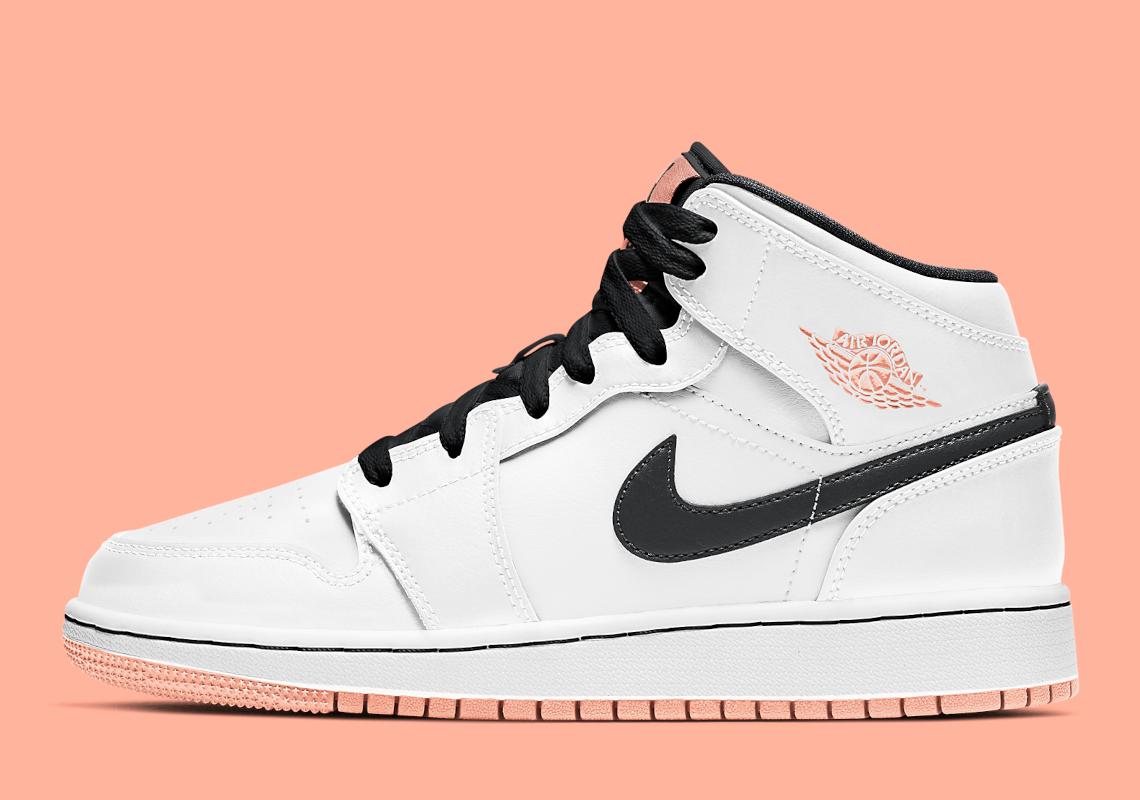 Air Jordan 1 Mid GS Arctic Orange 554725-180 | SneakerNews.com
