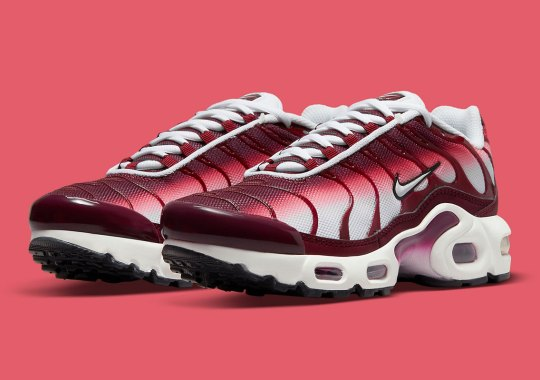 Nike Cherry-Picks the GS Air Max Plus For A Cherry, White, And Burgundy Mix