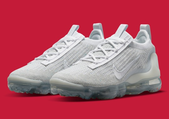 """The Nike Vapormax Flyknit 2021 Replicates The Classic """"Pure Platinum"""" Look"""