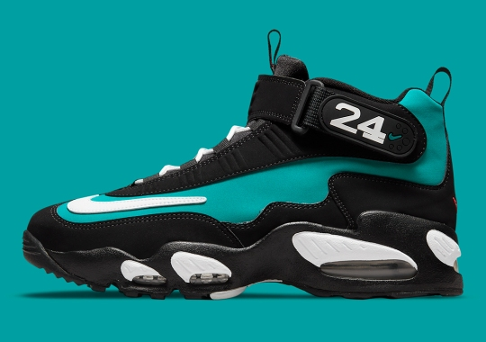 """The Nike Air Griffey Max 1 """"Freshwater"""" In Black Returns This Year"""