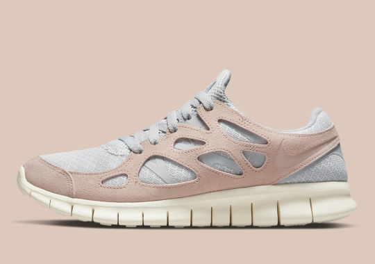 """This Neutral-Toned Nike Free Run 2 Pairs """"Fossil Stone"""" And """"Pure Platinum"""""""