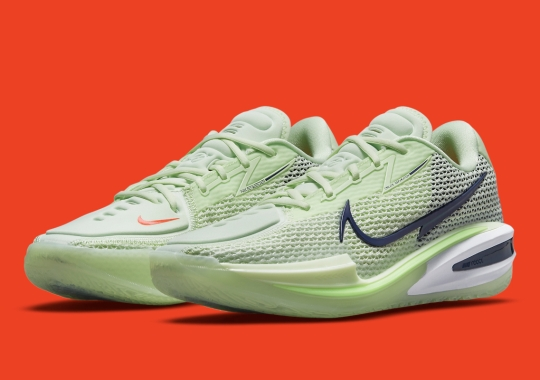 """The Nike Zoom G.T. Cut Does Its Best """"Grinch"""" Impression"""