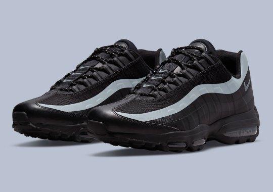 A Single Reflective Stripe Livens Up A Triple-Black Nike Air Max 95 Ultra