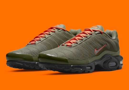 Flight Jacket Themes Appear On This Breathable Nike Air Max Plus