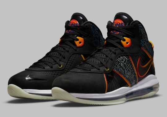 """Official Images Of The Nike LeBron 8 """"Space Jam"""""""