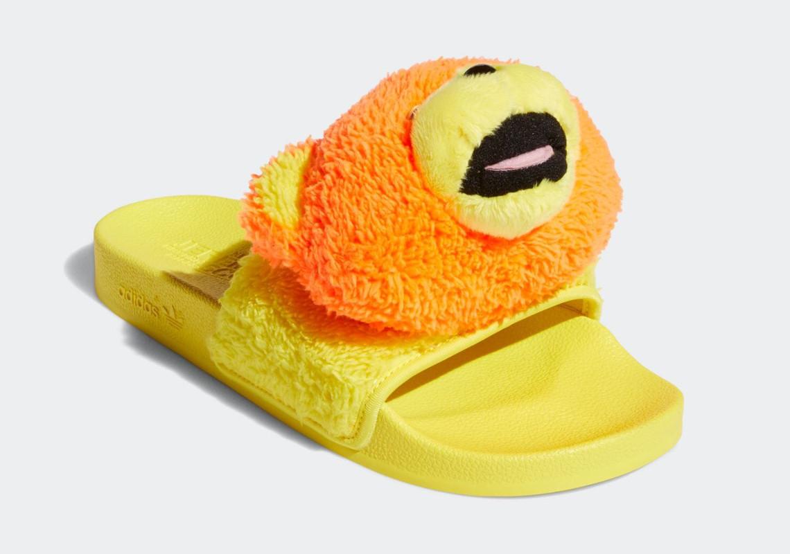 Jeremy Scott adidas Slides Teddy Bear Q46582   SneakerNews.com
