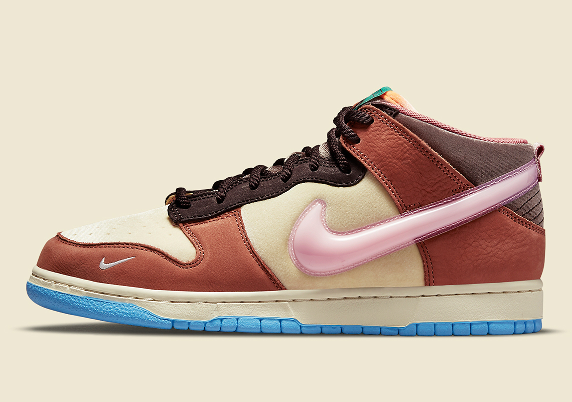 Social Status Nike Dunk Mid DJ1173 700 3