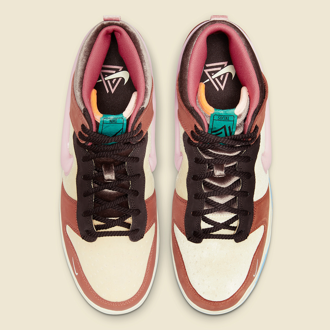 Social Status Nike Dunk Mid DJ1173 700 4