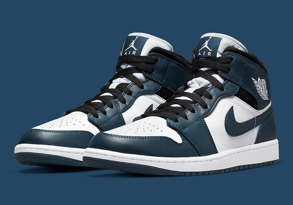 Air Jordan 1 Mid Blue Black White 554724-411 | SneakerNews.com