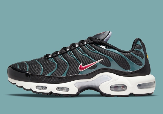The Nike Air Max Plus Adds Black And Teal To Its Wardrobe