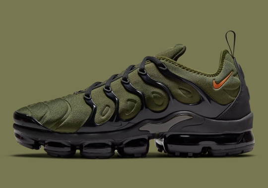 This Nike Vapormax Plus Ostensibly Draws Inspiration From The UNDEFEATED x AJ4 Color Scheme