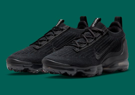 This All-Black Nike Vapormax Flyknit 2021 Sees Subtle Speckles