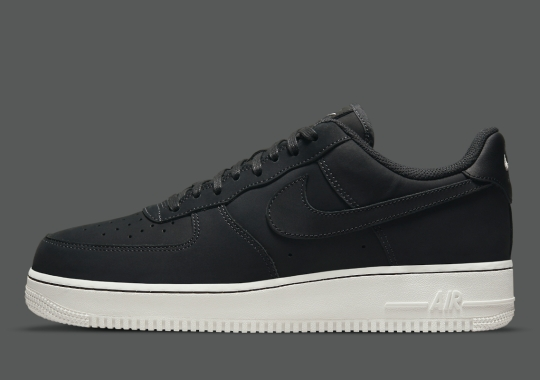 """Nubuck """"Off Noir"""" Covers This Nike Air Force 1 Low"""