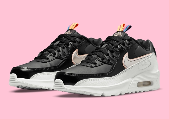 Twin Pull-Tabs Appear On This Girls Nike Air Max 90